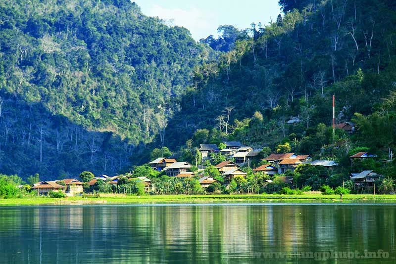 Kết quả hình ảnh cho khu du lịch hồ trên núi trên thế giới