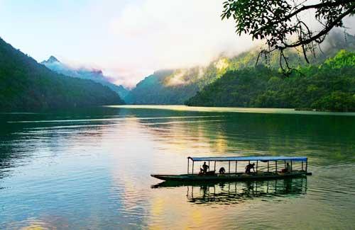 Kết quả hình ảnh cho Hồ Ba Bể